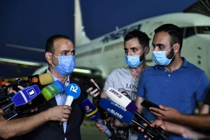 Der armenische Diaspora-Beamte kehrte im August aus dem Libanon nach Armenien zurück und ging heute an die Front