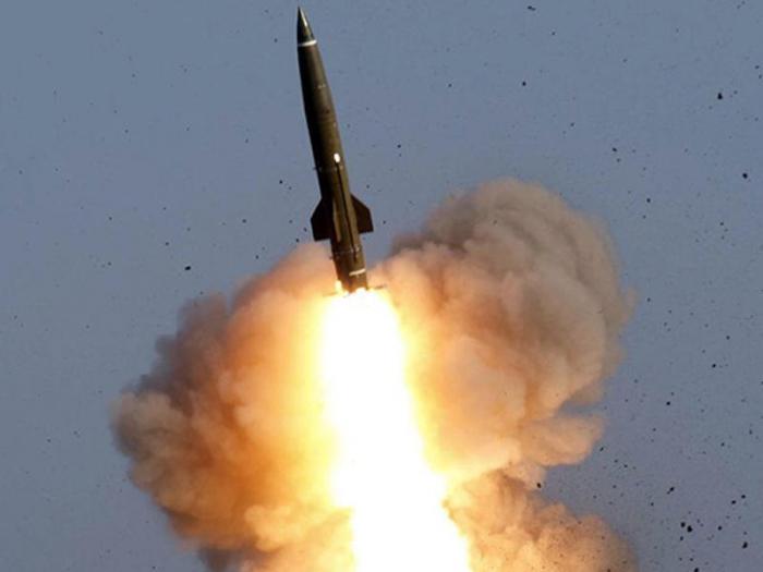 Feind benutzt das taktische Raketensystem Tochka-U