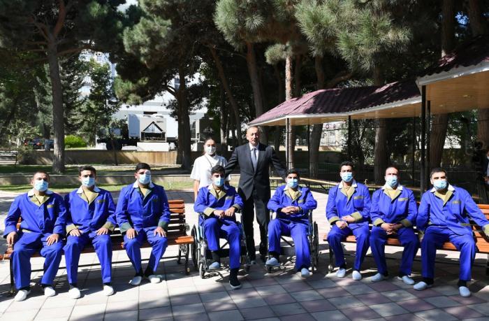 Der Präsident und die First Lady besuchten die verwundeten Soldaten