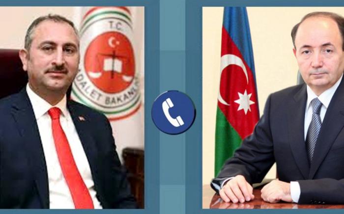Der türkische Minister Fikret Mammadov rief an