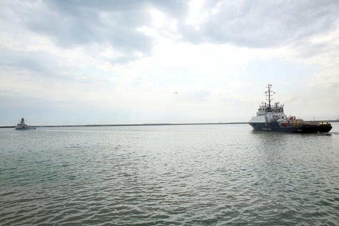 Russian warships leave Baku port