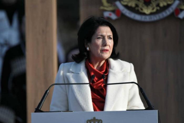 Georgian president calls for peace between Armenia, Azerbaijan
