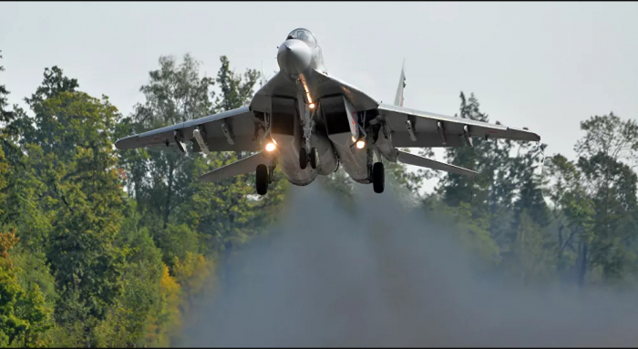 """مقتل طيارين صربيين في تحطم طائرة """"ميغ-21"""""""