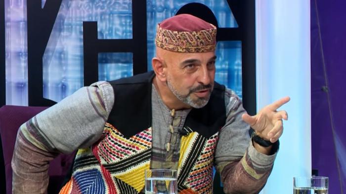 """Fuad Axundov AzTV-də:    """"Əsrlər, nəsillər"""""""
