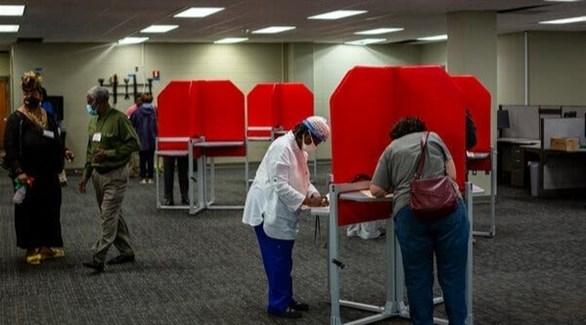 ولايات أمريكية تبدأ التصويت المبكر