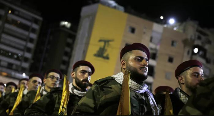كشفت صحيفة بريطانية ، عن الصلة بين حزب الله والتنظيم العسكري الأوروبي المحظور