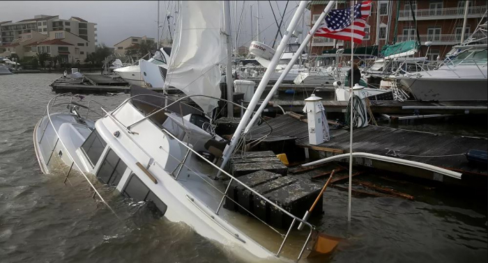 """فيديو يرصد آثار الإعصار """"سالي"""" في ولاية ألاباما الأمريكية"""