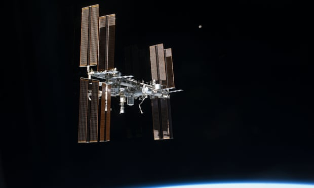 "ISS forced to make ""avoidance manoeuvre"" because of a piece of debris"