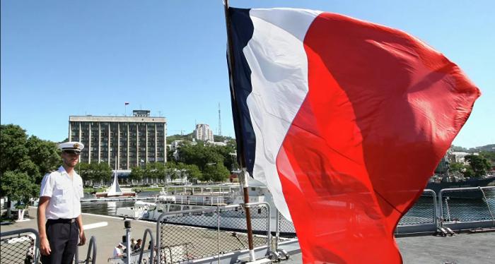 نُقل الرئيس الفرنسي الأسبق جيسكار ديستان إلى المستشفى
