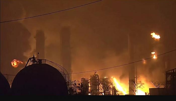 انفجار خط غاز في ولاية أوكلاهوما يسبب حريقا هائلا