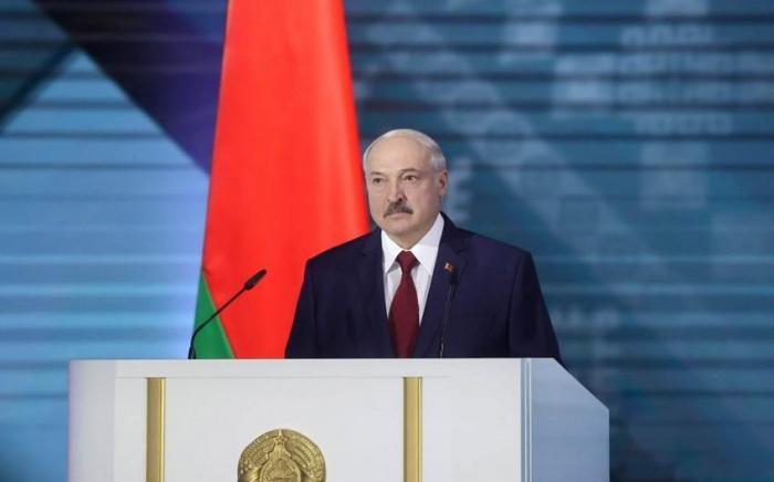 Lukaşenko Belarus Prezidenti kimi vəzifəsinə başlayıb