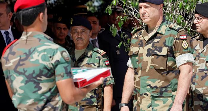 قائد الجيش اللبناني يجتمع مع سفير قطر