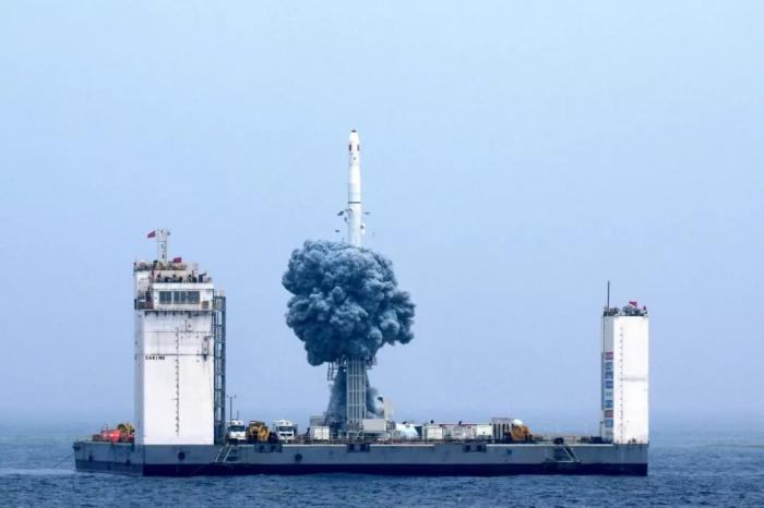 Lancement des satellites commerciaux chinois depuis une plateforme en mer