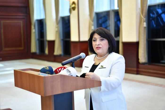 Milli Məclisin sədri brifinq keçirdi -    FOTOLAR