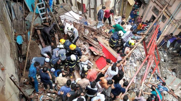 Hindistanda bina uçdu, 10 nəfər öldü