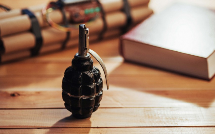 Abşeronda maşından qumbara tapıldı