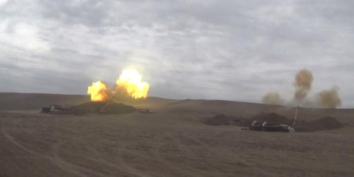 Artillerieeinheiten versetzen dem Feind vernichtende Schläge -   VIDEO