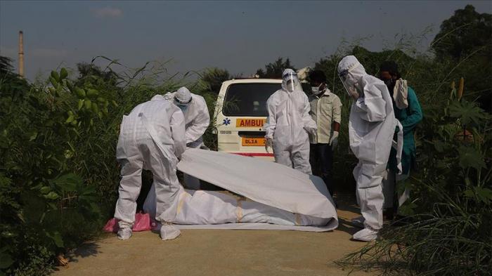 Hindistanda nazir koronavirusdan öldü