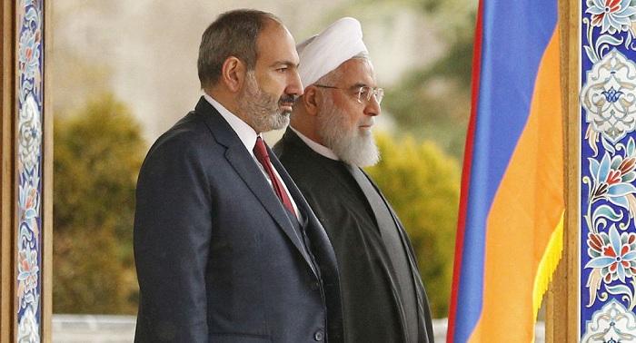Rouhani bespricht die Situation in Karabach mit Paschinjan
