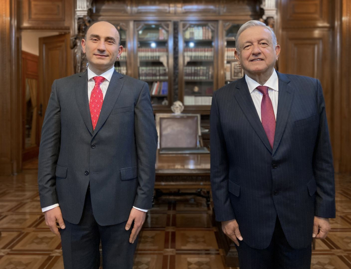 Səfirimiz Meksika Prezidenti ilə görüşdü