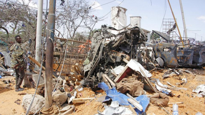 Car bomb kills two Somali special forces, hurtsU.S. officer