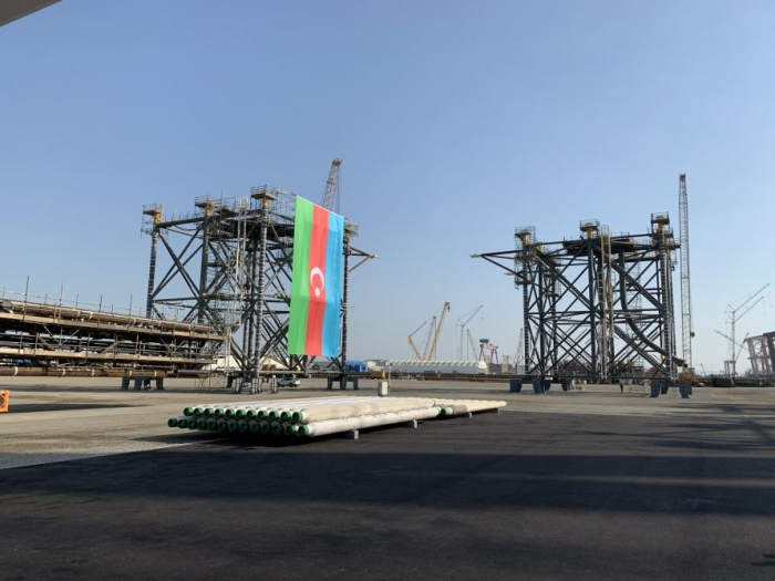 President Aliyev attends groundbreaking ceremony of Absheron field offshore operations