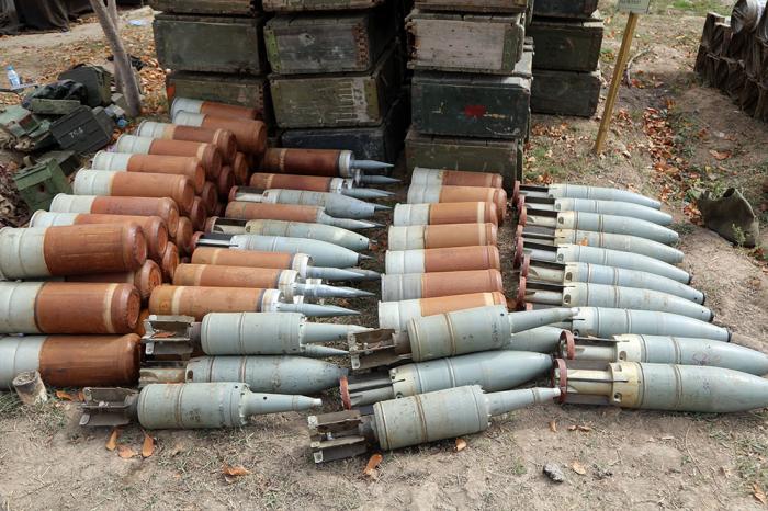 Kasıb Ermənistanda bu qədər silah və texnika haradandır?