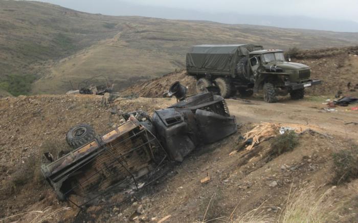 Armenischer Divisionskommandeur zusammen mit dem Personal zerstört