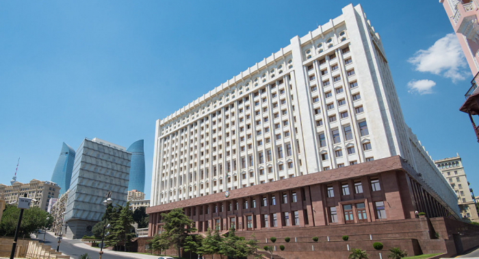 Officials of Azerbaijani Presidential Administration, Secretariat of First VP donate funds to army fund