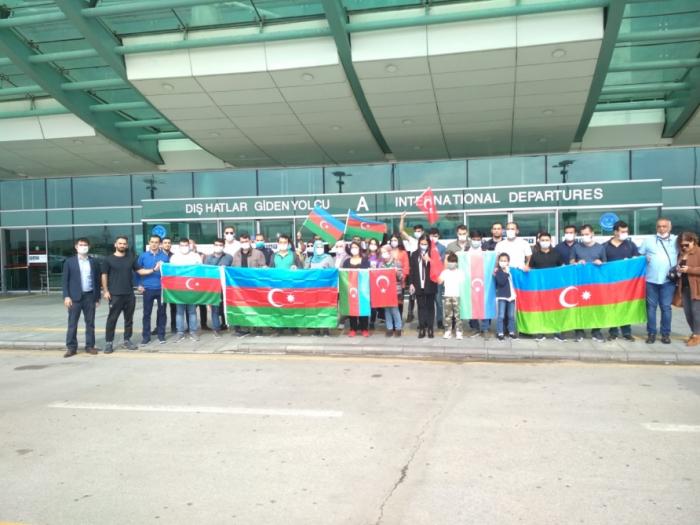Türkiyədə çalışan 45 həkim Azərbaycana qayıtdı