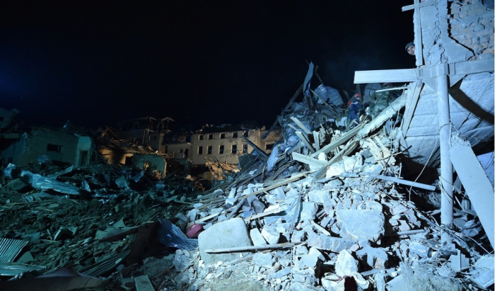 Ministry of Emergency Situations rescue 17 injured people trapped under ruins