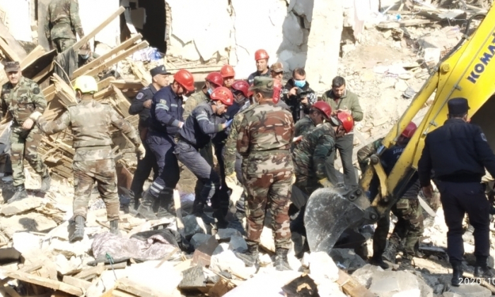 Dead body of another resident found under the rubble in Ganja