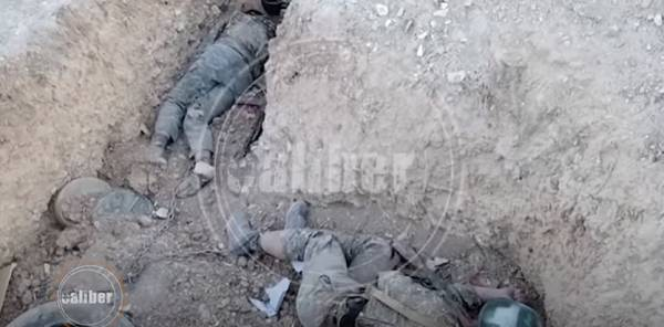 Demoralized Armenian soldiers chained to positions and equipment -   VIDEO