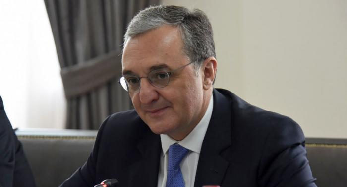 Armenian FM meets Lavrov in Russia
