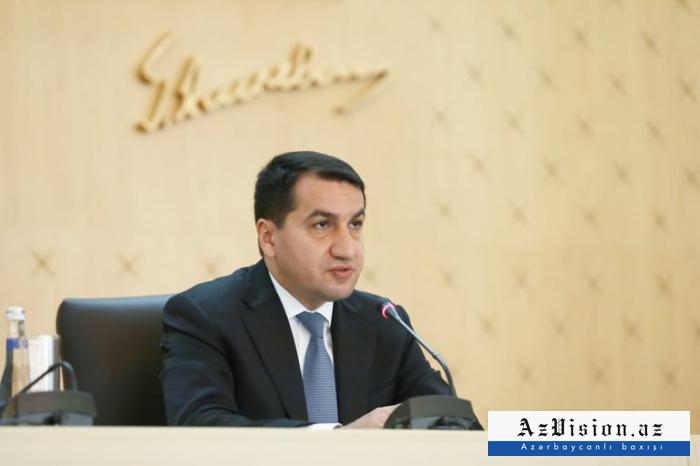 """Hikmet Hajiyev:  """"Los armenios atacaron a aldeanos y civiles"""""""