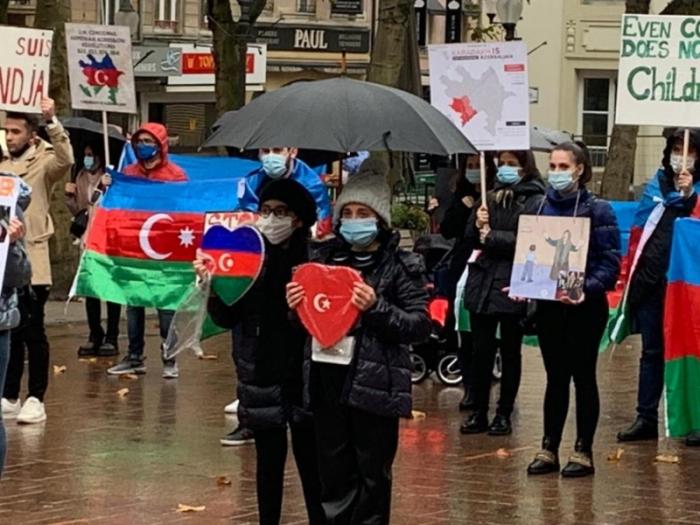 Lüksemburqda Azərbaycan əsgərinə dəstək aksiyası -  FOTO