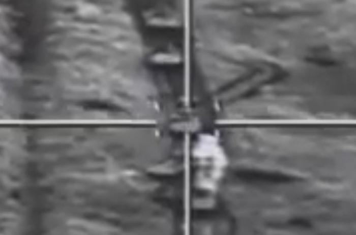 El ejército azerbaiyano utiliza armas de alta precisión contra el enemigo -   VIDEO