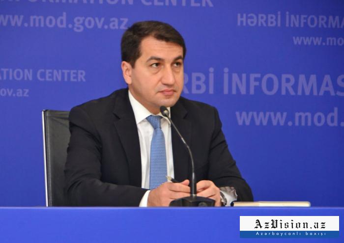Hikmet Hadjiyev:   Nous condamnons fermement le magazine Charlie Hebdo pour avoir ciblé le président turc