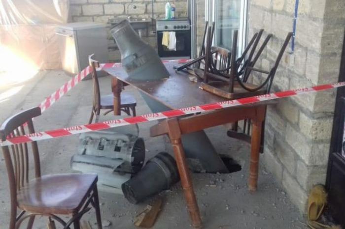 Des Arméniens ont tiré un missile Smerch sur un village de Terter