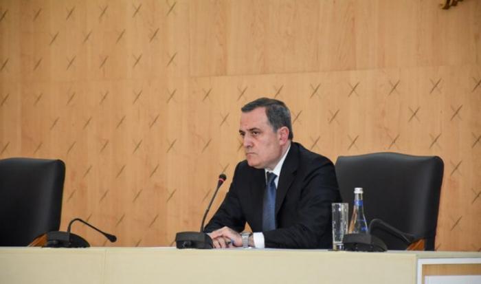 Le MAE azerbaïdjanais rencontre le directeur général du CICR