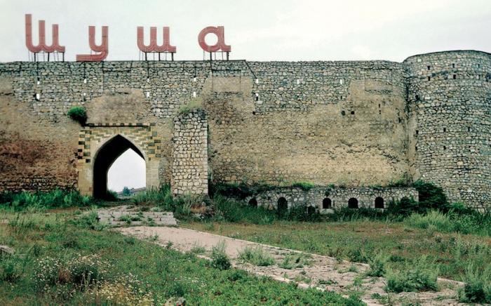 """""""Azərbaycan Ordusu Şuşanın 5 kilometrliyindədir"""" -   Arutyunyan təşvişə düşdü"""