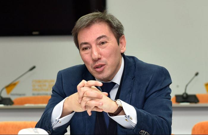 """""""Paşinyan faciələrini durdurmaq əvəzinə təlxəklik edir"""" -  Politoloq"""