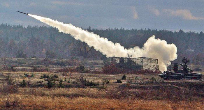 Armenier schießen Raketen auf Tartar und Fizuli
