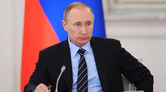 Putin nazirlərlə -