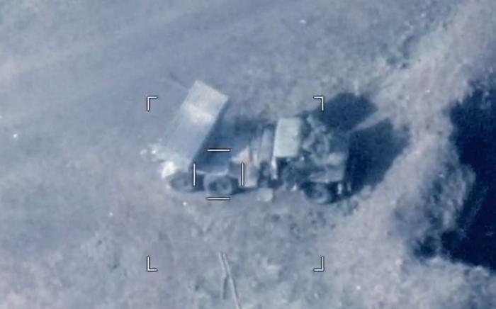 El ejército de Azerbaiyándestruye una gran cantidad de efectivos y equipo militar de Armenia