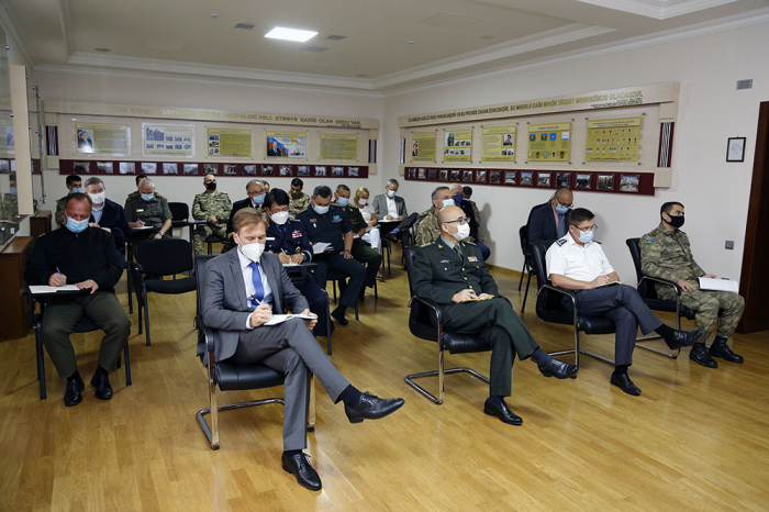 Foreign military attachés and reps of int