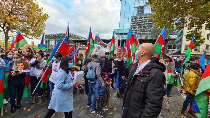 In Deutschland fand eine Protestkundgebung gegen den Gandscha-Terror statt