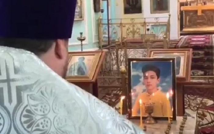 Hikmət Hacıyev Arturun anım mərasimindən video paylaşdı