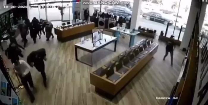 Le moment où la ville de Berdé a été touchée par une roquette -   VIDEO