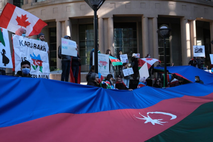 Canadian Azerbaijanis held protest rally against Armenian attacks on Ganja